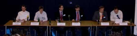Panel o budoucnosti mobilního internetu a internetu v mobilu