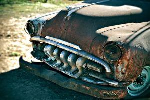 auto, zablácené auto, vrak