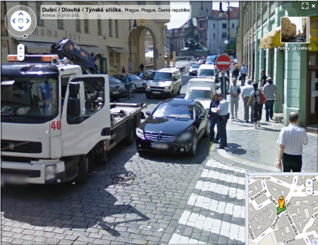 StreetView zajímavosti: pán dostává pokutu